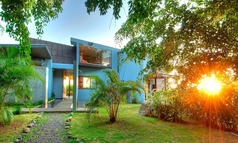 Costa Rica #5- Mountain Villa