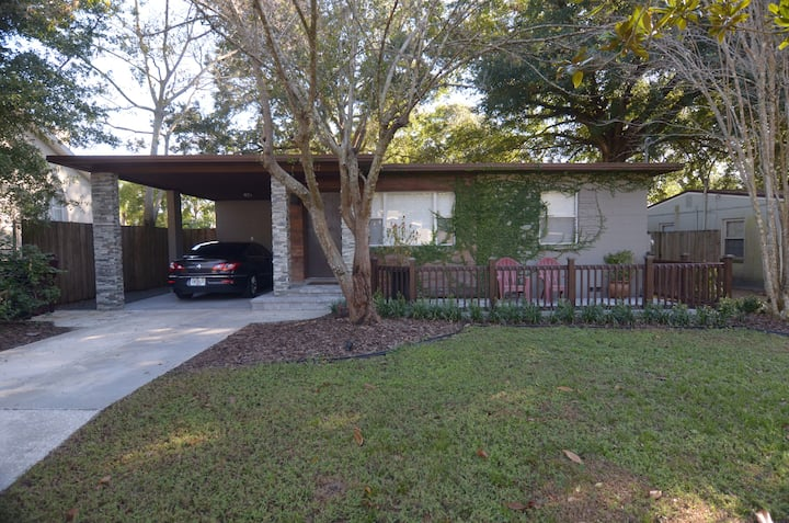 Cute & cozy 3 BR/2BA house minutes from DT Orlando