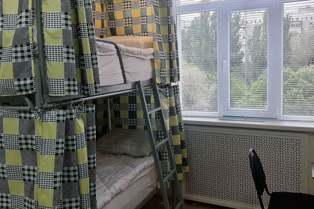 2-bunk bed dormitory room for 4 ladies at DimAL Hostel Almaty