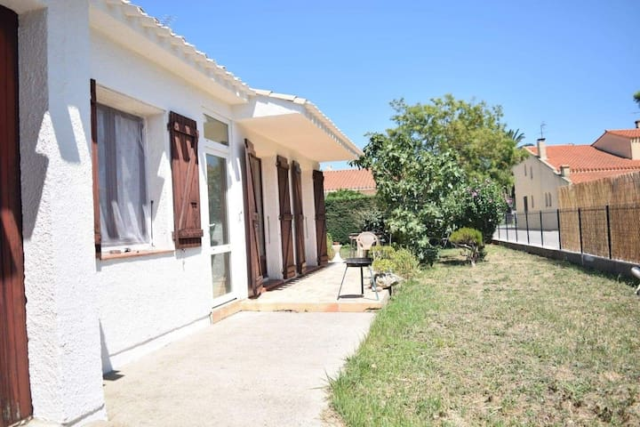 Villa plain pied st cyprien 6 personnes