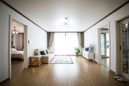 HAPPY HOUSE IN GUNSAN (월명동) 편리한 위치 & 쾌적한공간 &친절한호스트
