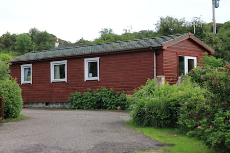 Cosy Lodge, Sleeps 4- close to Arisaig & the Beach - Arisaig - Kulübe