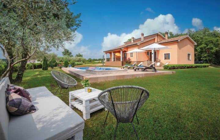 Holiday home Antonela with pool in central Istria