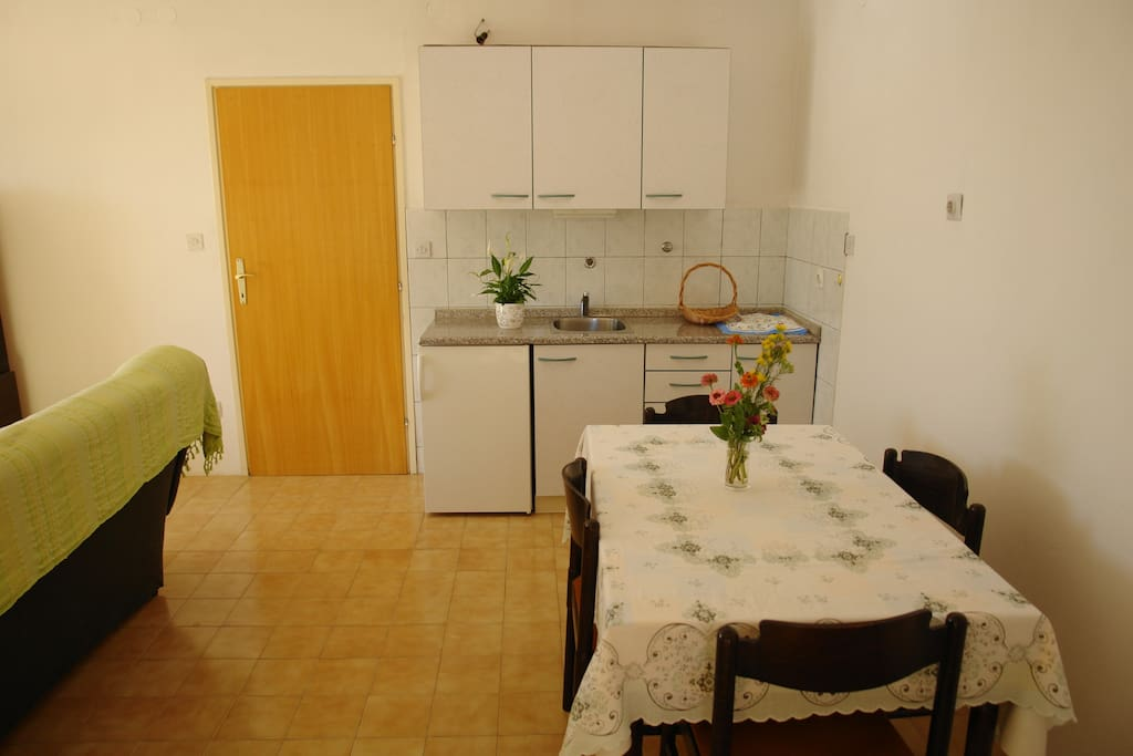 kitchen and dining room 1