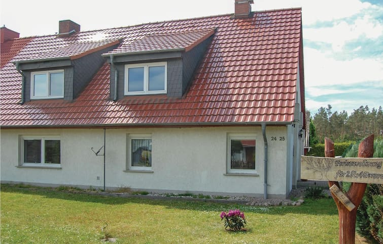 Holiday apartment with 1 bedroom on 48m² in Rostock