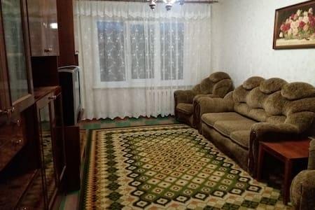 Квартира посуточно 2 ком. квартиру - Kramators'k