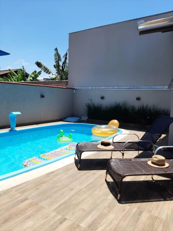 Casa com piscina em Coroados (Guaratuba-PR)