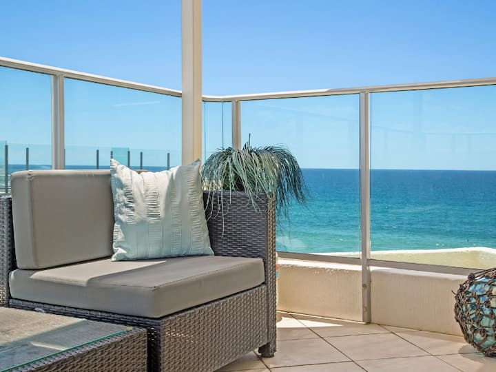 2 Bedroom Ocean side Views MERMAID BEACH