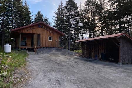 Alaska Hemlock Retreat - Rejuvenate in this Cabin!