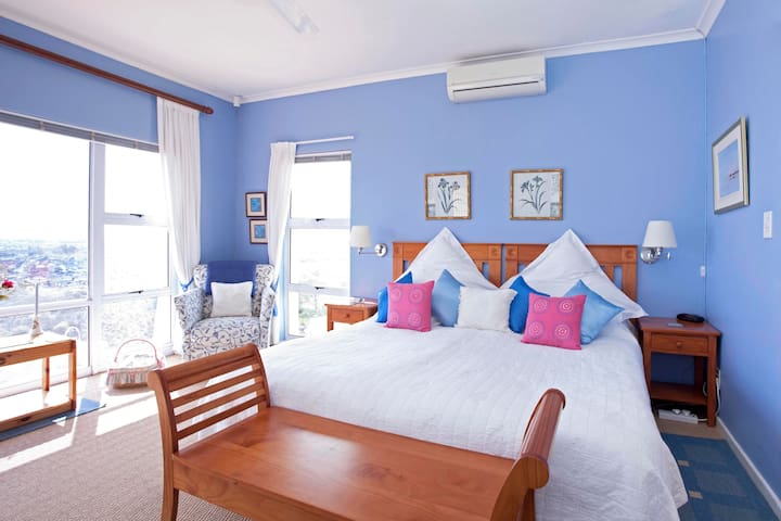 Merlot 4 Star Self-Catering Suite - Cape Town - Apartment