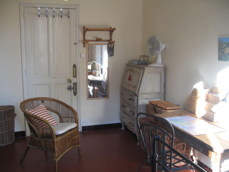 Jolie chambre avignon centre ville appartements louer for Chambre avignon