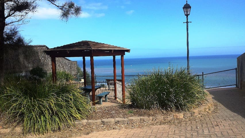 SEASIDE !! KAURI 2  BEDROOM.. WIFI - Seacliff - Apartment