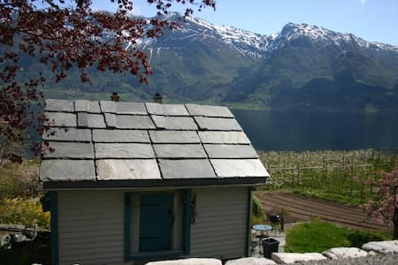 Cosy lumber cabin in Hardanger