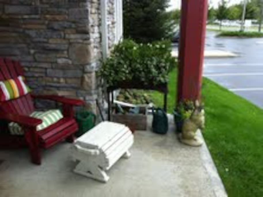 Patio - with Natural Gas BBQ
