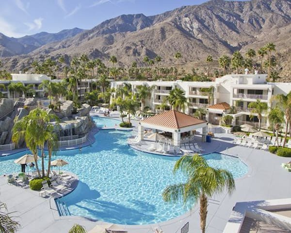 Beautiful 1 Bedroom in Palm Springs
