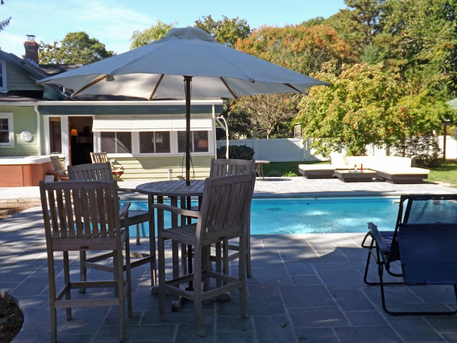 Outer dining area by pool.