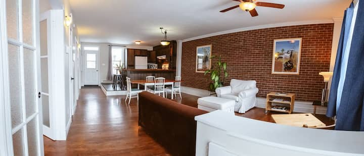 Grand appart lumineux - Bright and spacious flat