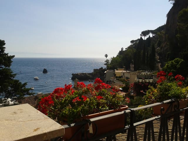 The Terrace on the Sea - Taormina - Mazzarò - อพาร์ทเมนท์