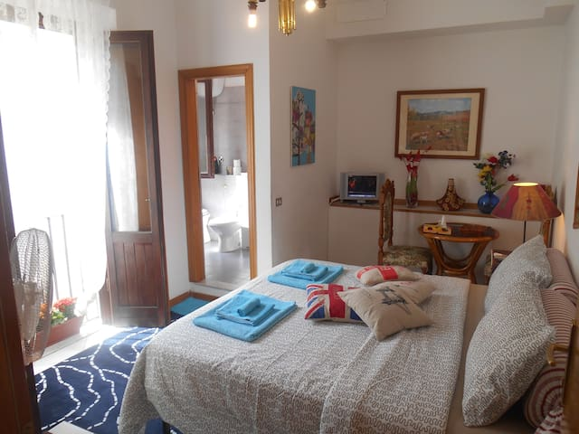 Mouna's room - Florence - Bed & Breakfast