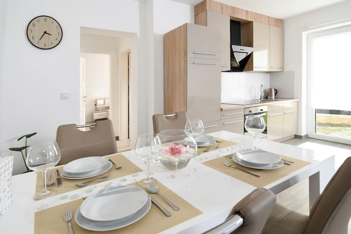Villa LUX**** Malinska - 4 persons ALL NEW 2017 - Radići - Appartement