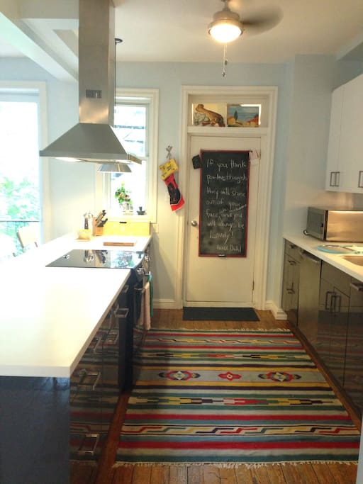 Lots of space for several cooks!