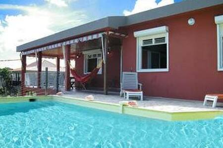 Magnifique villa avec piscine  - サンリュス