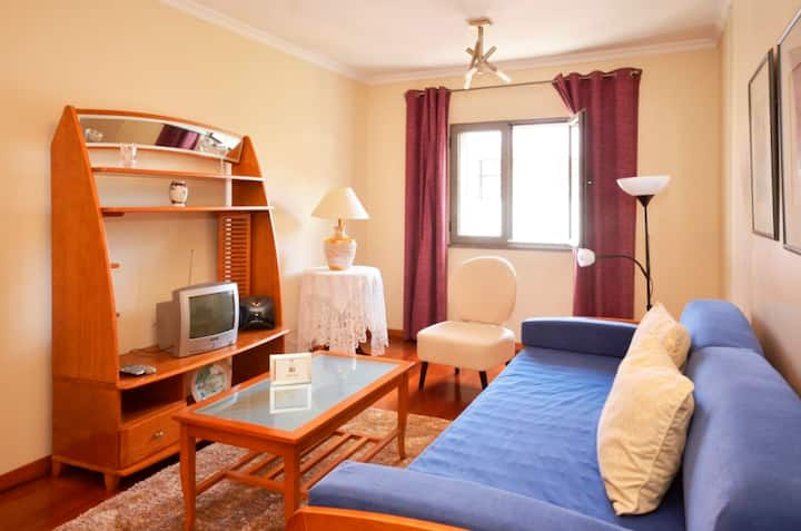 Amparo Cosy Third Floor Beach Apartment!