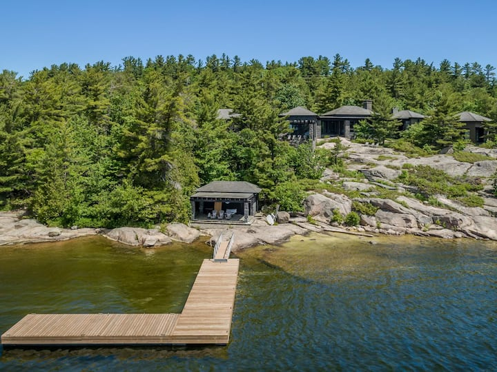 Big Sound Lake House - Absolutely stunning views and architecture!