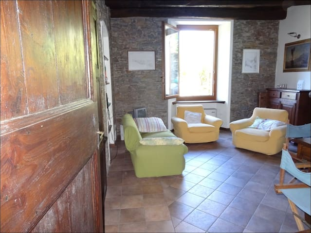 Rural house for rent with garden CH - Bassano - Cabin
