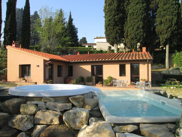 Agriturismo il Colle apt. Ginestra - Bagno A Ripoli - Bed & Breakfast