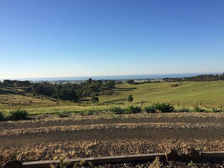 Noah's Studio country lifestyle w Ocean views