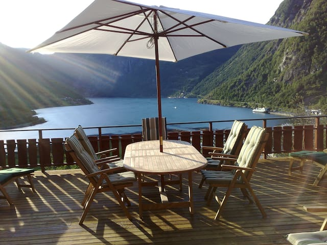 Geiranger - Amazing house with panoramic views