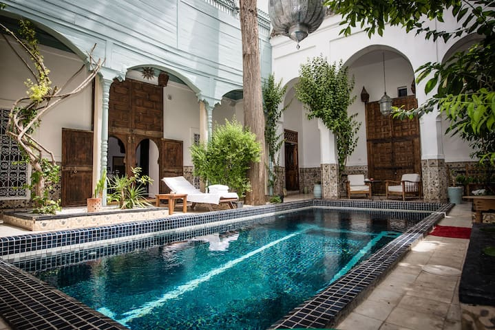 "Riad Boutique Hotel ""Edward"" - Marrakesh - Bed & Breakfast"