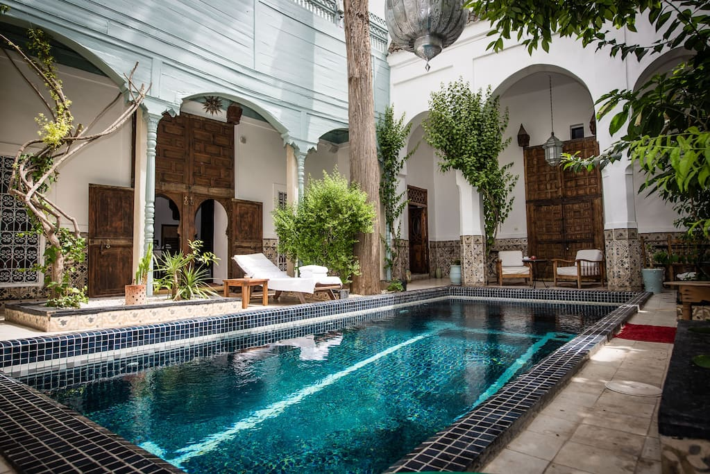 Riad boutique hotel edward bed and breakfasts en for Riad essaouira avec piscine