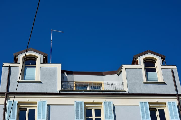 LIGHT-BLUE ROOFTOP NEXT TO SEA - Ventimiglia - Apartament