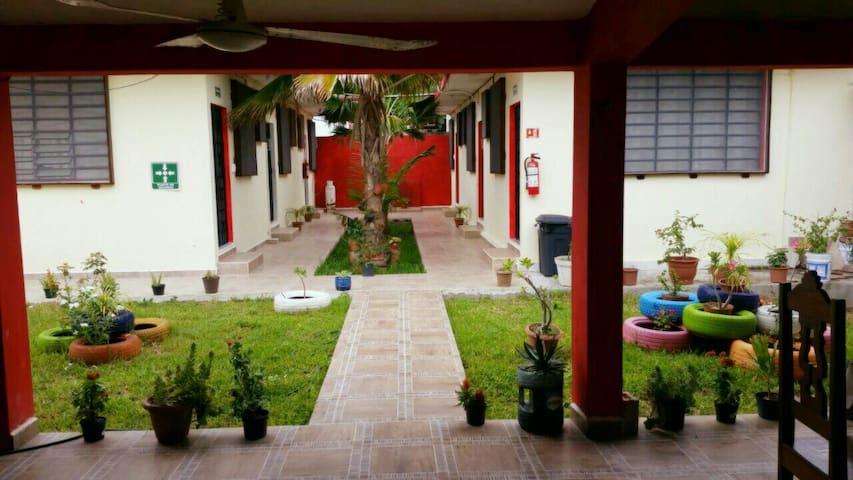 Hotel Villa Carmita / HABITACIÓN  PARA 2 PERSONAS