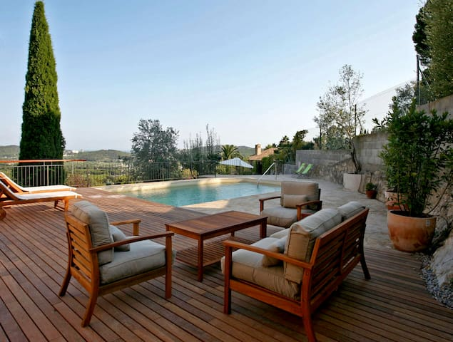 Casa con espléndidas vistas al mar