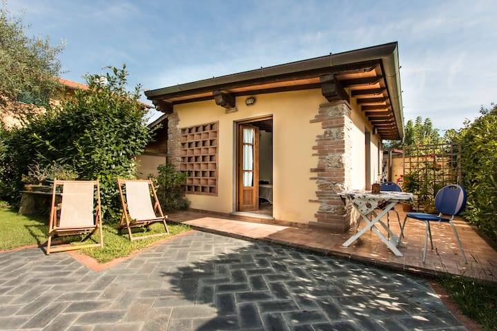 Chalet on Tuscan seaside in Pietrasanta - Marina di Pietrasanta - Rumah