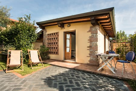 Chalet on Tuscan seaside in Pietrasanta - Marina di Pietrasanta - Dům