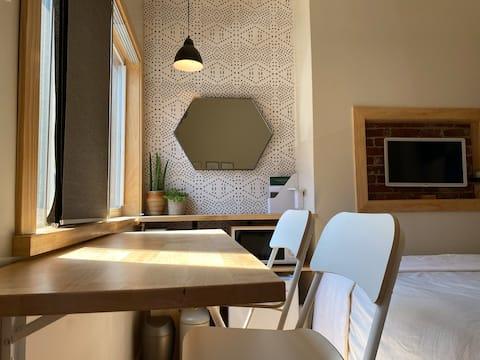 Artsy Studio_Ideal Lawrenceville Spot_Tiny Living
