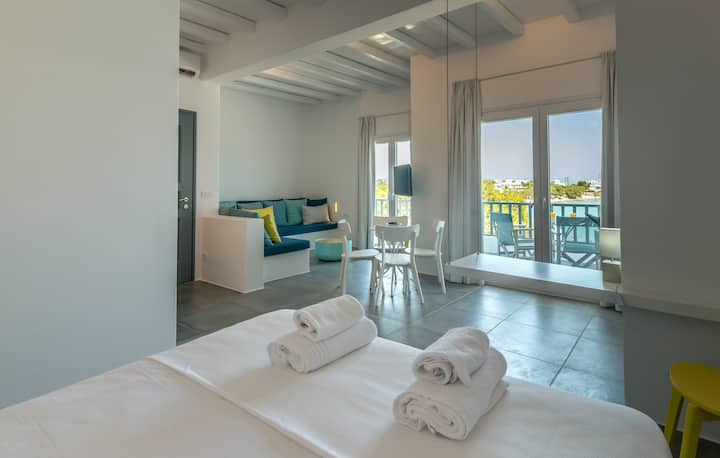 Pollonia Sea View apartments (2-4 adults & 2 kids)