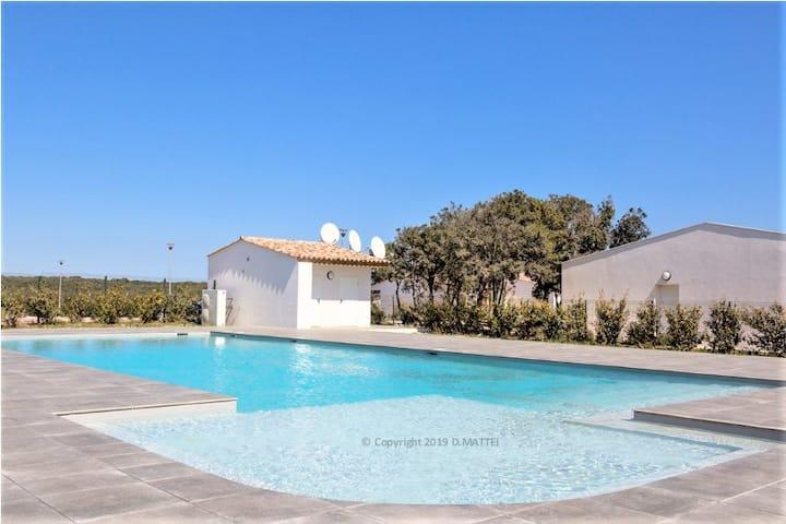 Jolie villa 4-6 pers, piscine chauffée, Bonifacio
