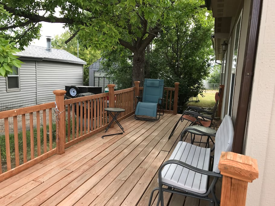 Deck with a lot of seating room