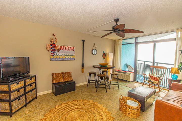Oceanview 1 Bedroom Suite - Landmark Resort 1250 - Perfect for a couple or party of 4!