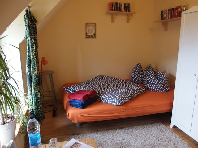 Ruhiges Doppelzimmer auf Hof Mellon