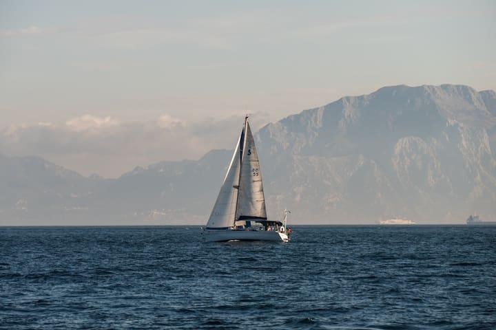Cómodo velero de 12 mts