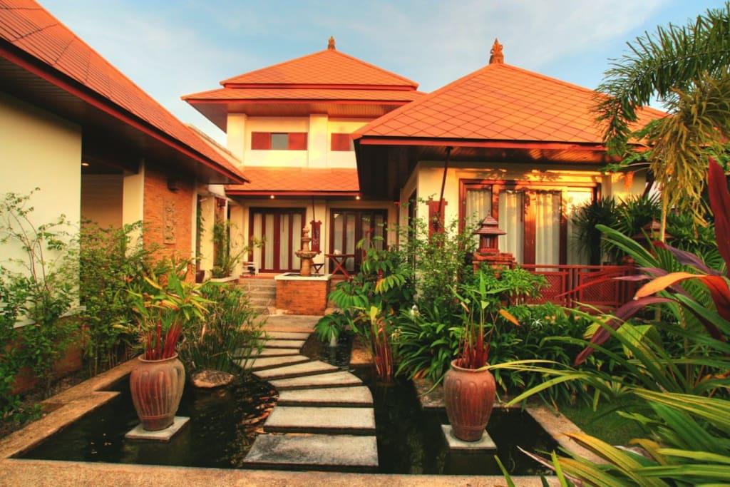 fantasea villa h user zur miete in kammala phuket thailand. Black Bedroom Furniture Sets. Home Design Ideas
