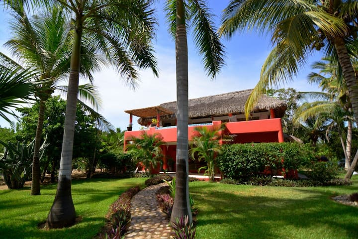 Casa Chelonia- Oceanview Beach Villa- Costa Cumana