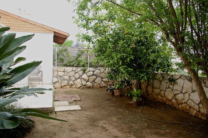 Healthy Living on the Mediterranean - Zikhron Ya'akov - Hus