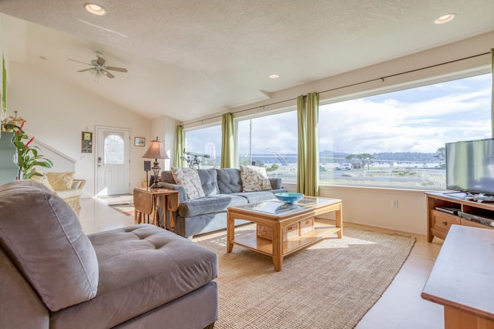 Stupendous Alsea Bay Views and Bay Access from this Bright, Open Home in Waldport's Bayshore!